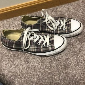 Size 7 purple grey plaid converse sneakers